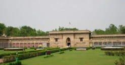 sarnath-archaeological-museum2