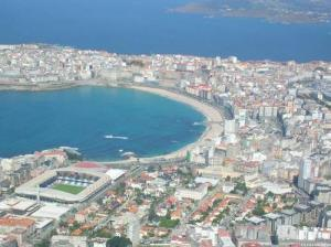 playa-y-estadio-de-riazor